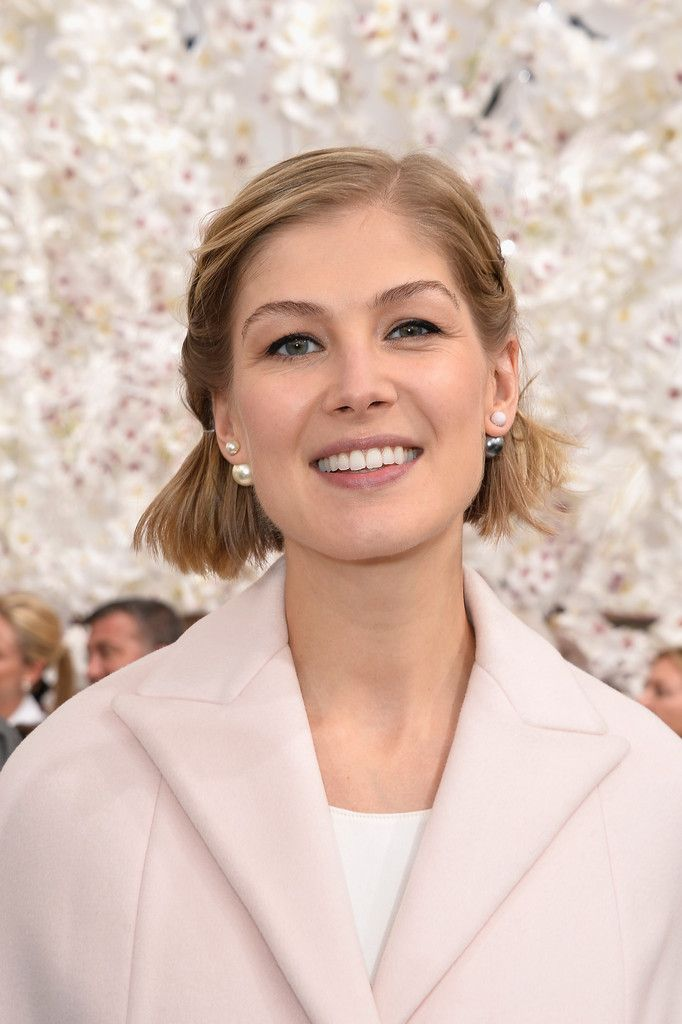 Rosamund Pike hooded eyelids