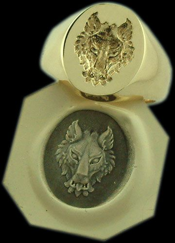 Wolf Signet Ring...this would bd great for the king of the north...
