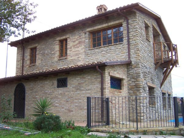 Property for sale in Abruzzo Castilenti Abruzzo Italy - Country House