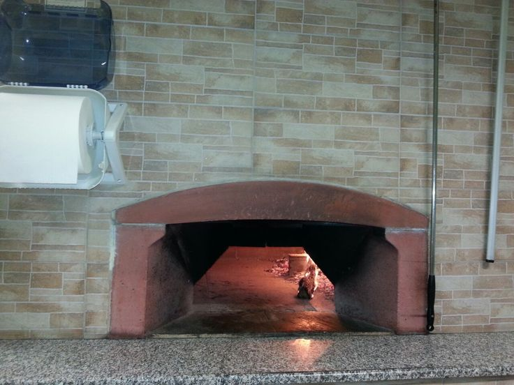 A lot of #pizzas in the ZioCiro #professional #pizzaoven DonGennaro! Thanks to Gaetano and the #pizzeria @LaRaganella for these pictures!  Tanto spazio e tante #pizze nel #fornoperpizza #professionale #ZioCiro #DonGennaro! Ringraziamo Gaetano e la pizzeria @LaRaganella per queste foto!  #pizzaoven #pizzaovens #pizzaparty #fornoalegna #fornialegna
