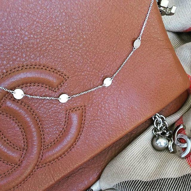 Srebrny naszyjnki z okraglymi mieniacymi blaszkami pr.925 ☺ 💎😋💍😆💄👡👛💞😊 https://www.lydiana.pl/pl/c/Srebro-rodowane/20    #silverjewellery #bizuteriasrebrna #bizuteriagwiazd #goldjewellery #zlotabizuteria #jewellery #necklace #naszyjniki #celebrytki #silvernecklace #srebrnynaszyjnik #luxury #lux #topnecklace #naszyjnikcelebrytka #polishgirl #polskadziewczyna #warszawa #poznan #gdansk #lydianajewellery