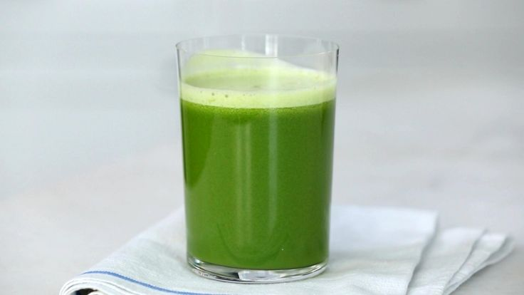 Watch Martha Stewart's Apple, Fennel and Kale Green Juice Video. Get more step-by-step instructions and how to's from Martha Stewart.