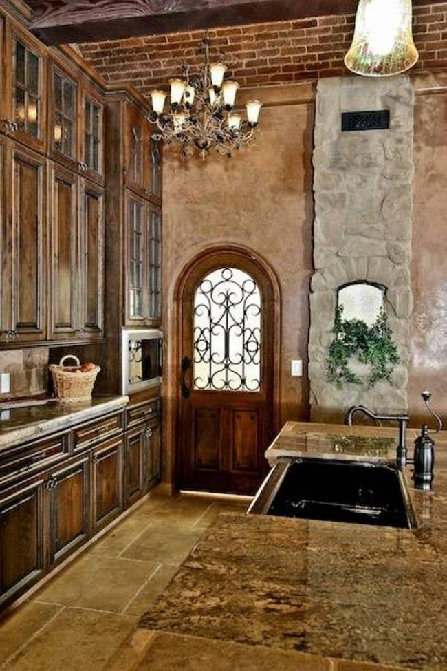 Old world decor elegant old world style kitchens for Old world style house plans