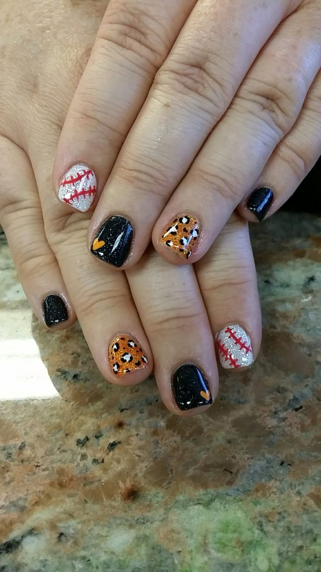 SF giants nails https://www.facebook.com/shorthaircutstyles/posts/1762377550719351