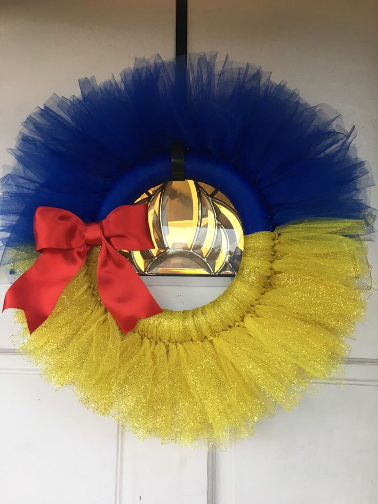 Snow White tulle wreath by HappyOwlCreations on Etsy https://www.etsy.com/listing/267295191/snow-white-tulle-wreath