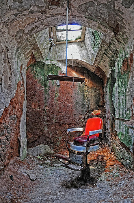 ✯ Eastern State Penitentiary Barber Shop
