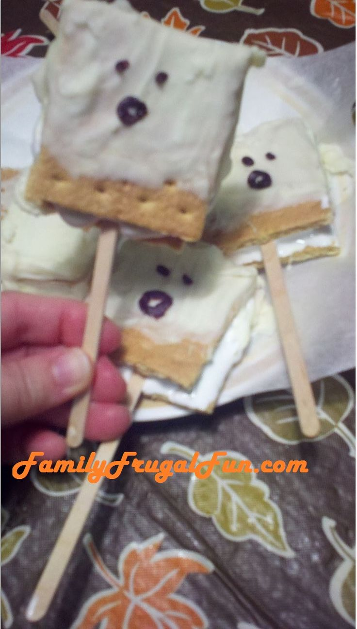 White chocolate ghost smores for Halloween