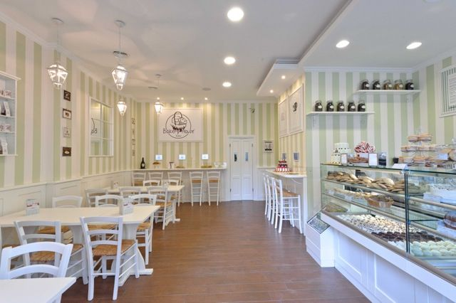 No podíamos hacer un recorrido dulce por  Roma  dejando a un lado una pastelería-bakery de esas tan de moda últimamente, cuya especialidad ...