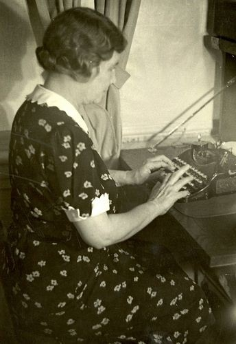 Hellen Keller & her Corona Typewriter