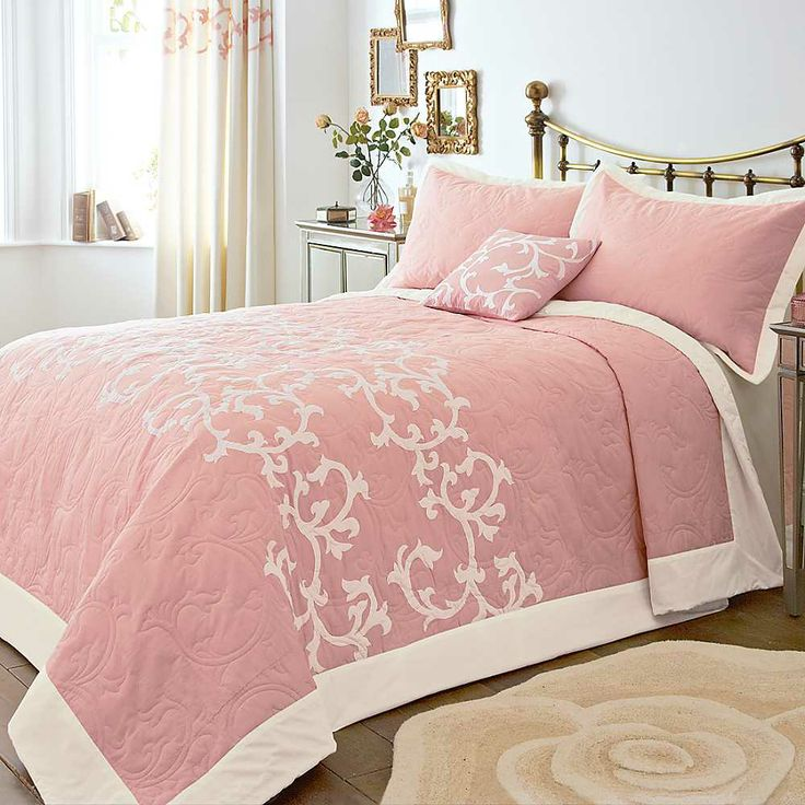 Clementine Coral Bedspread & Pillowshams