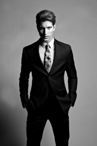 http://chicerman.com  thesharptaste:  One of the luckiest men in the world Hermann Nicoli.  #MENSUIT #TAILORSUIT