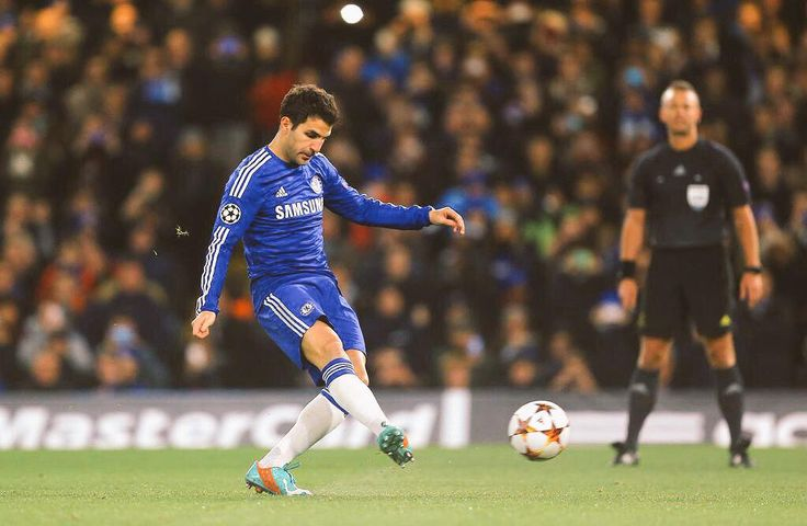 Fabregas opening the scoring with a composed penalty. #CFC