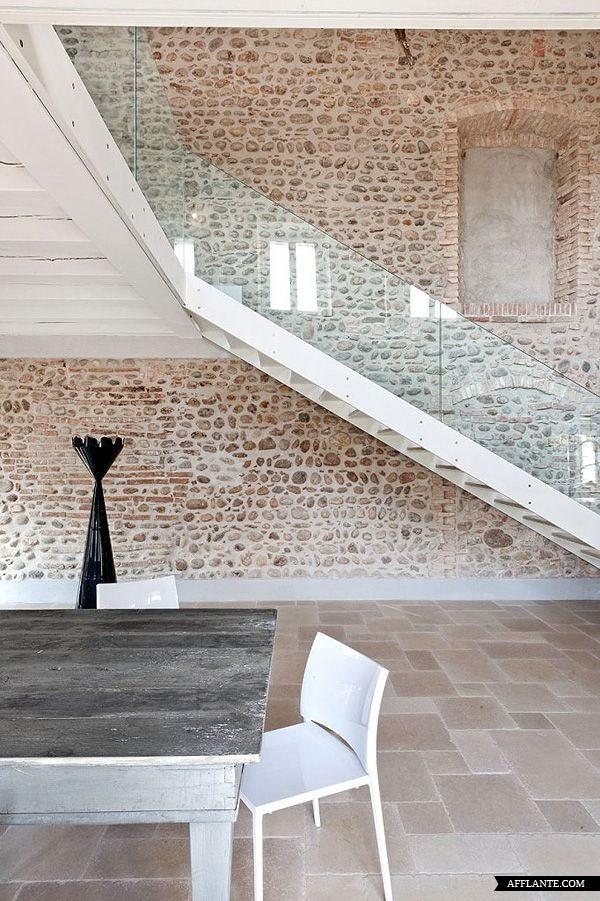 The Staircase Renovation Of An Italian Villa