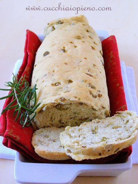 pão de azeitona com alecrim
