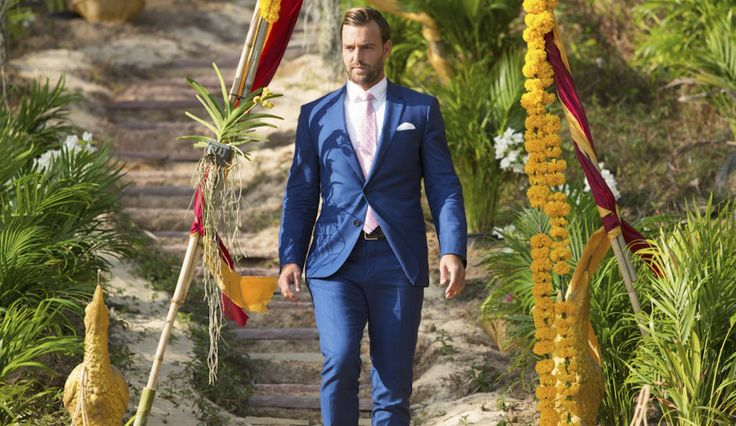 'Reality Steve' Suggests 'Bachelorette' Star Robby Hayes Is Gay, Stirs Up Hate With Homophobic Rant — Did He Go Too Far?