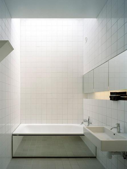 Mirrored bathtub  Claessen Koivisto Rune