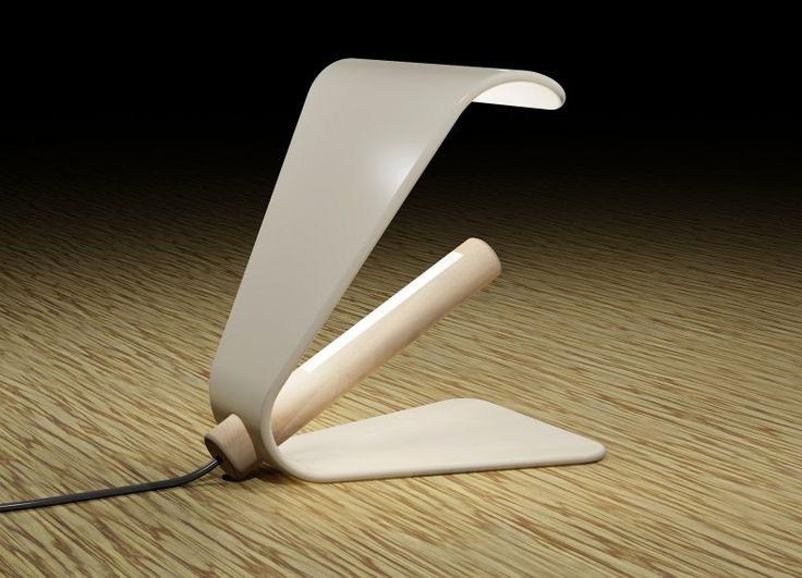 Ostrica è una abat-jour costituita da due semplici pezzi. Un unico elemento forato in ceramica funge da base e paralume, mentre un'asta in legno massello ospita all'interno di una scanalatura una striscia led. L'intensità della luce è regolabile a mezzo dell'interruttore posto lungo il cavo di alimentazione.