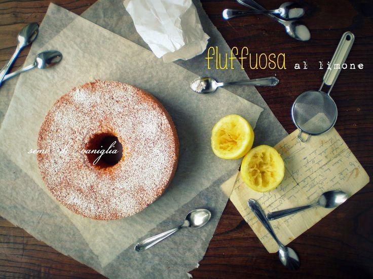 La torta che impazza sul web: la fluffuosa semivaniglia.blogspot.it/2014/06/la-torta-del-momento-la-fluffuosa.html