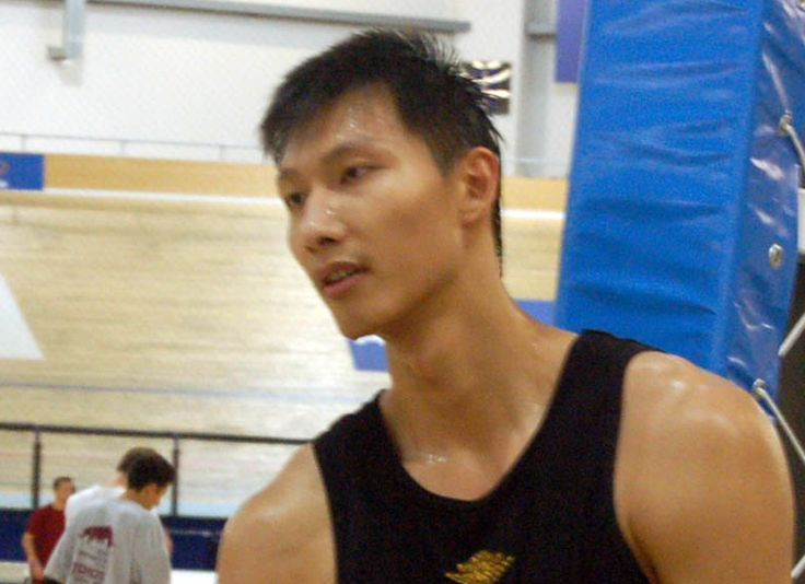 Lakers Rumors: Los Angeles to sign Yi Jianlian? Can Chinese bust revive his NBA career in Hollywood? - http://www.sportsrageous.com/nba/lakers-rumors-los-angeles-sign-yi-jianlian-chinese-bust-revive-nba-career-hollywood/41389/