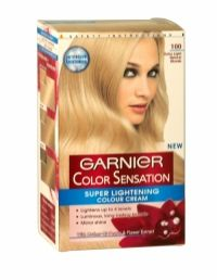 Garnier Color Sensation Intense Permanent Colour Crème is a unique formula containing beautiful pigments. Colour is visible, sensational and lasting with guaranteed 100% coverage of grey hair.