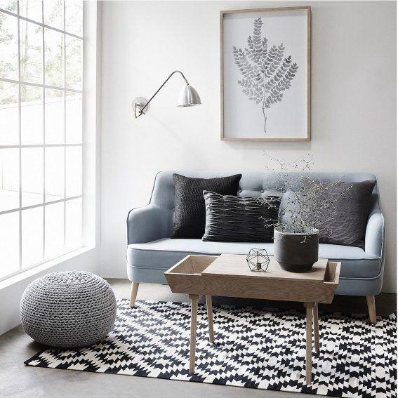 Joli tapis scandinave graphique noir blanc pour looker un petit salon