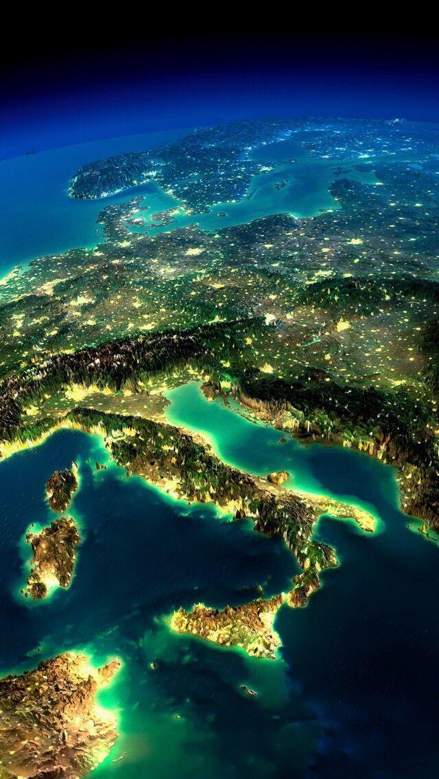 Europa, simulierte Lichtausbeute bei Nacht, Ausweisung der Hauptbevölkerungsgebiete.