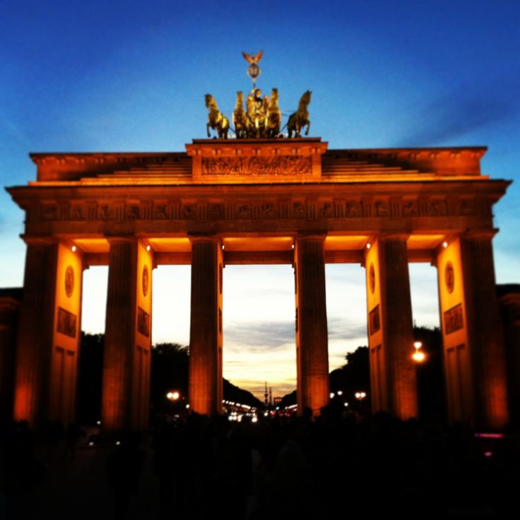 Finished in 1791, since 1989 the Brandenburg Gate has been a symbol of German unity #PDBerlin
