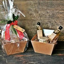 Gift baskets, custom made, custom basket for you, cello wrapped, gift card.  spice gift, kitchen gift, gourmet gift, cooking gift, culinary gift, edible gift, foodie gift, chef gift, homemade gift, seasoning gift, one-of-a-kind gifts   Gift wrapping, Ready for gift-giving, Anniversary Gift,Birthday Gift, Bridal Shower Gift/Favors, Chef Gift, Christmas Gift, College Care Package, Cooking Gift, Co-worker Gift, Culinary Gift, Edible Gift, Engagements, Famil