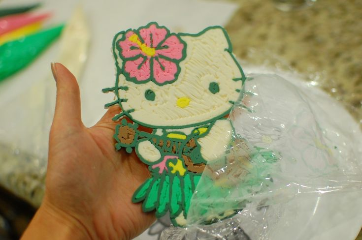 How To Make Frosting Transfers For Easy Cake Decorations