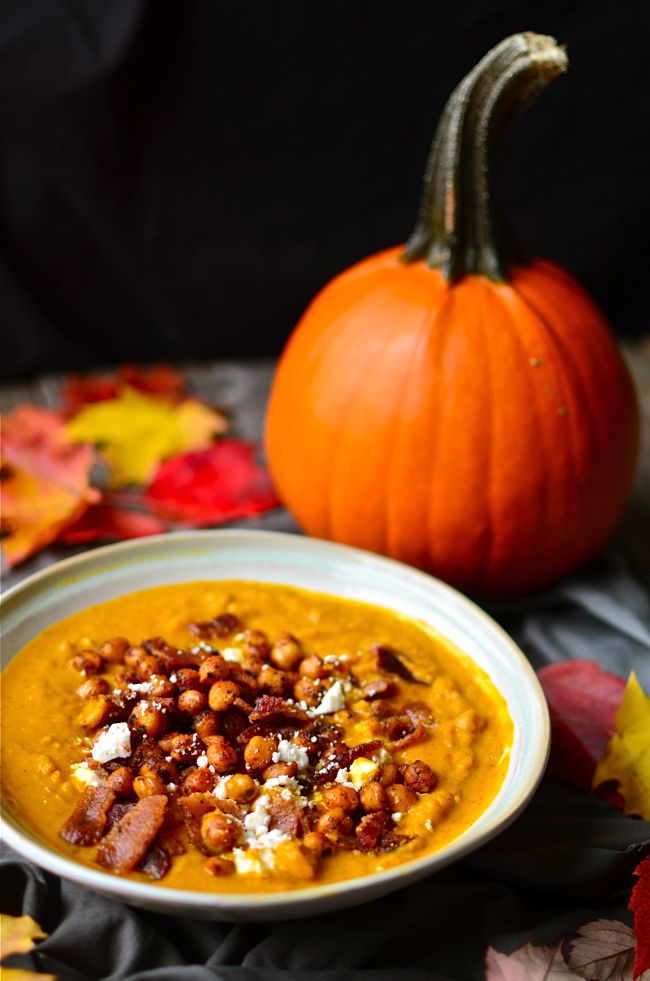 Yammie's Noshery: Spicy Pumpkin Soup with Bacon and Spicy Fried Chickpeas