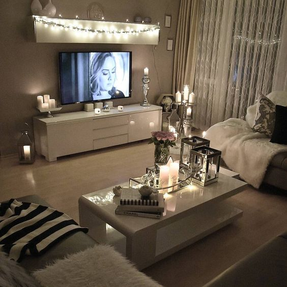 DECORACIONES HERMOSAS Y ROMÁNTICAS PARA TU SALA Hola Chicas!!! A la mayoría de la mujeres nos gustaría tener una apartamento femenino