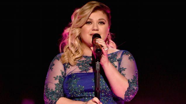 Fox News Turd Makes Kelly Clarkson Fat Joke; Kelly Does Not Give a Fuck