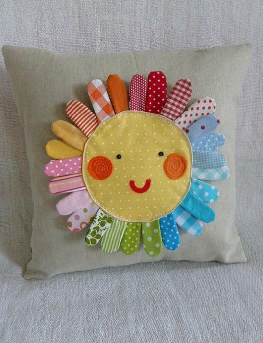 Almohada con tela reciclada, Sol!!!