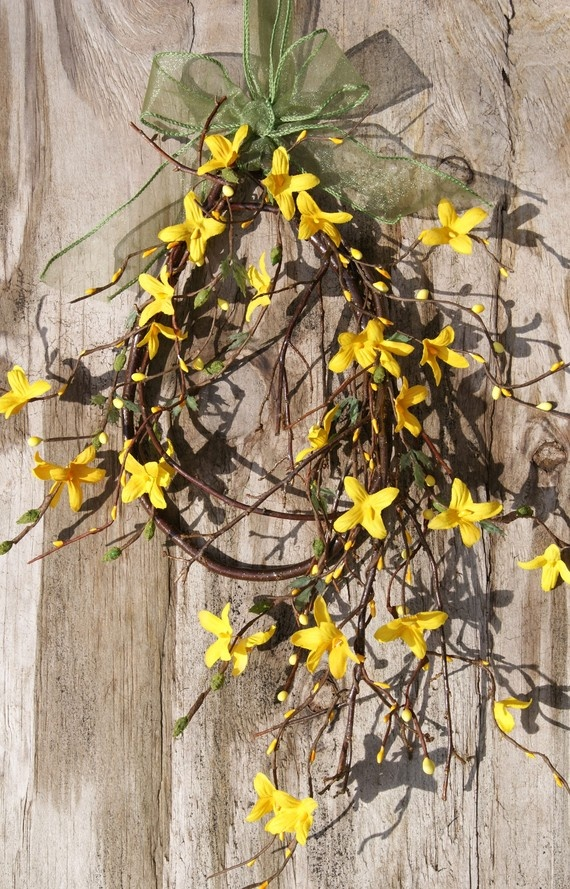 **yellow**  could any color be more perfect...  have to grow a forsythia so I can do this in the spring!