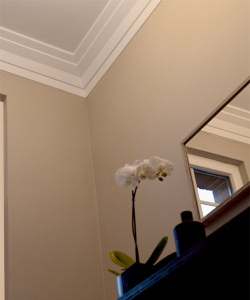 Modern crown moulding google search crown moulding for Art deco baseboard molding
