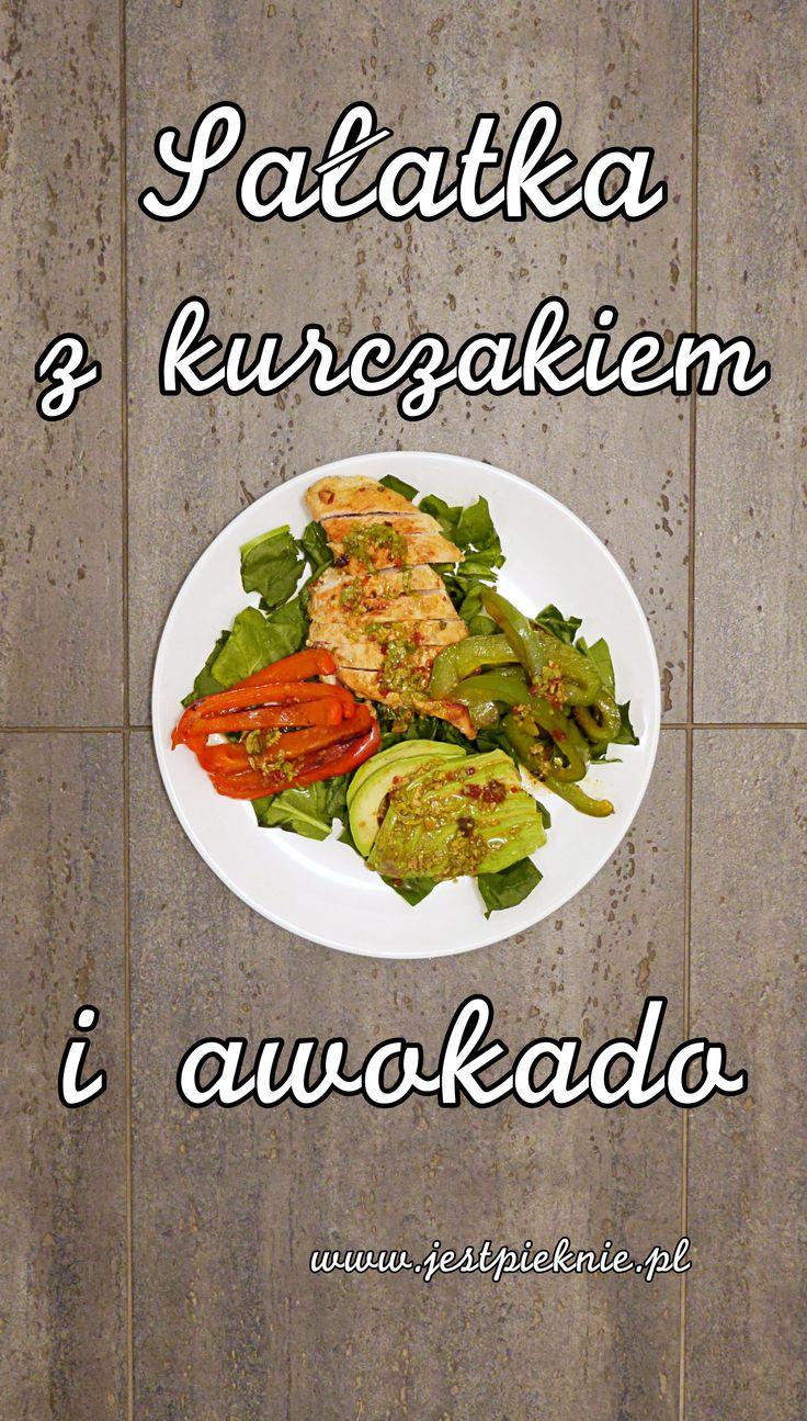 Sałatka z kurczakiem i awokado - Jest Pięknie