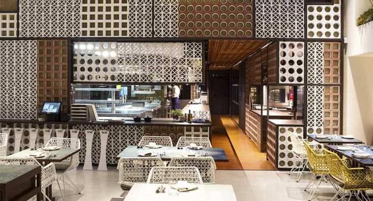 Restaurante Disfrutar, 2014, Barcelona. El Equipo Creativo. Imagen: ceramicaamanoalzada.com