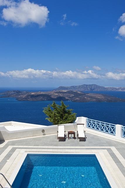 Artemis Villa with Jacuzzi and Sauna in Santorini, Greece!    http://www.volcano-view.com/jacuzzi-villa.php
