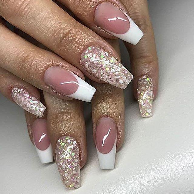 @sonjasnaglar ✨✨✨✨✨✨✨✨✨✨✨✨✨ #gelenaglar #gelnails #manicure #pedicure #essi #opi #stockholm #sverige #sweden #bloppis #nagelteknolog #nailart #nailswag #nailporn #nagelbitare #akrylnaglar #naglar #pink #white #classy #video #tumblr #inspo #inspiration #tutorial #nailsforqueens1