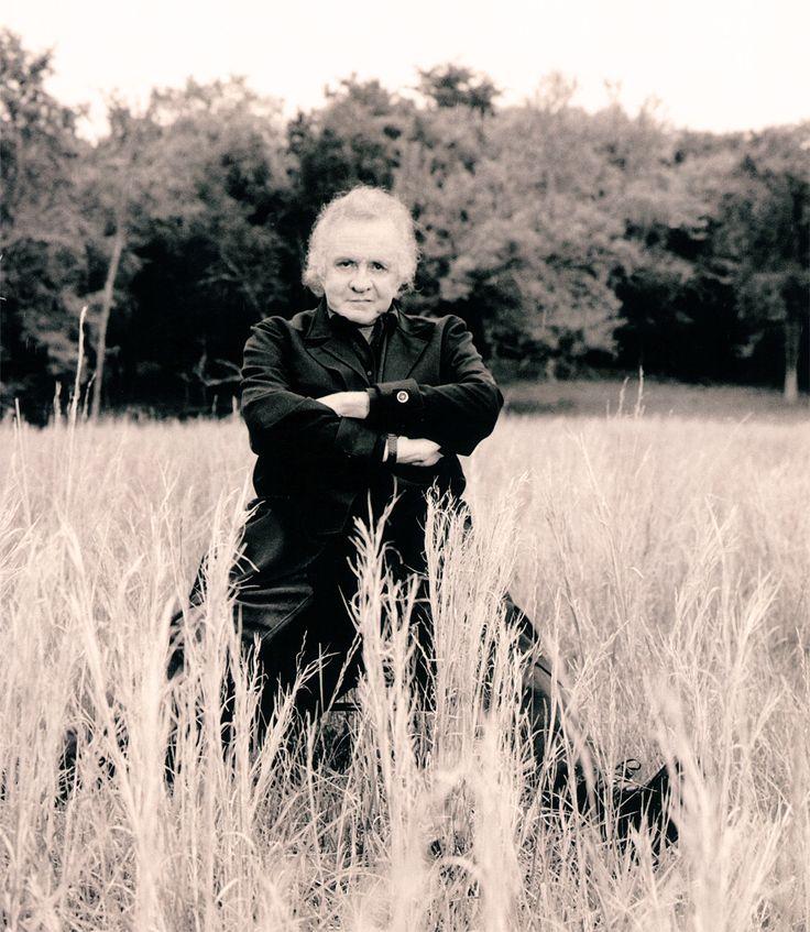 Johnny Cash near his barn in Hendersonville (1996)