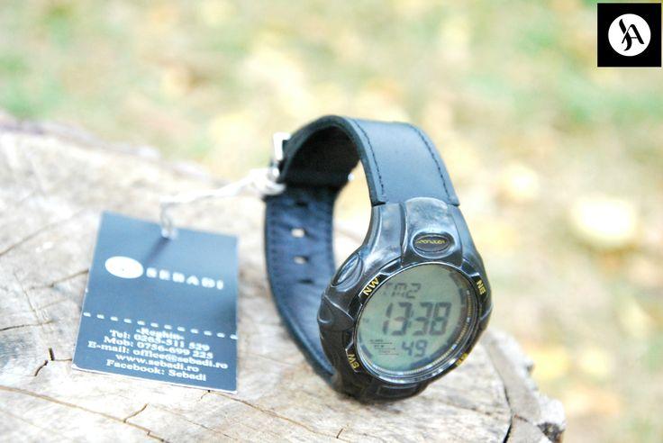 Curea pentru ceas din piele naturala 5 -piele neagra mata -captusit cu piele neagra -cusut cu ata neagra -inel de prindere metalic argintiu  PRET: 100 lei