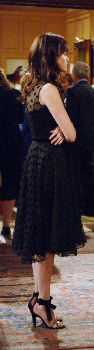 Gilmore Girls Season 6. Alexis Bledel LOVE THE DRESS AND SHOES