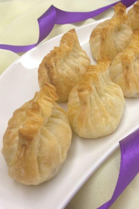 Bu böreği 'Papatya Şef 'te gördüm ve bayıldım.Lezzeti de görüntüsü gibi harika oldu.İç malzemesini patatesli kıymalı olarak hazırlad...