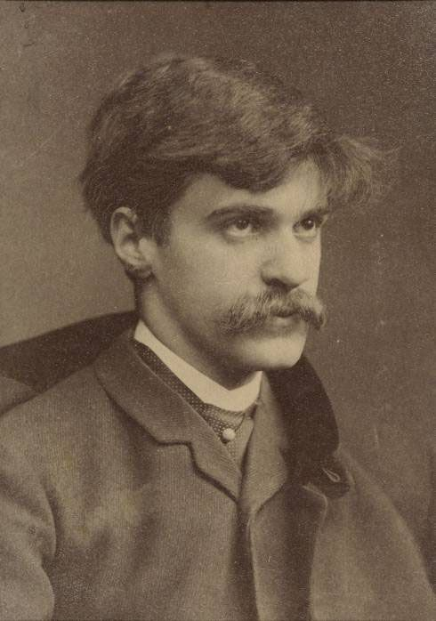 Alfred Stieglitz, revolutionary photographer who brought Modern Art to America, was the lover of Georgia O'Keeffe, and is rocking the 'stash.