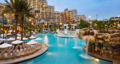 Discover world-class guest rooms and amenities at Orlando World Center Marriott, our unforgettable resort near Walt Disney World®. Book your vacation today!