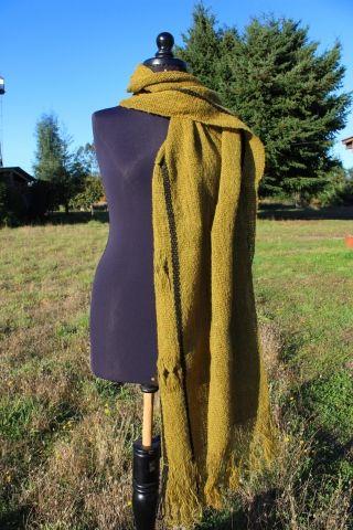 Chal franja calada - hand wooven shawl  Fundación Chol-Chol
