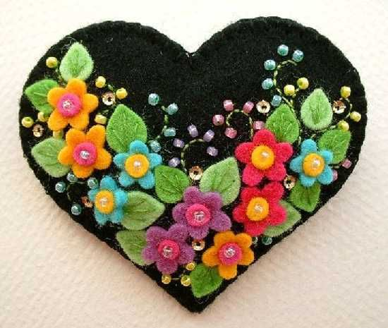 Felt Craft Ideas | Craft ideas for Valentines Day gift boxes, felt heart with flowers