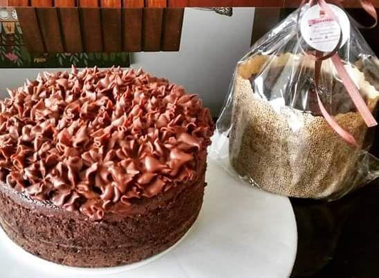 Torta de chocolate con decorado de ganache