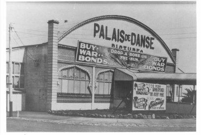 1915 Palais de Danse Pictures - 1st picture theatre on Palais Theatre site.