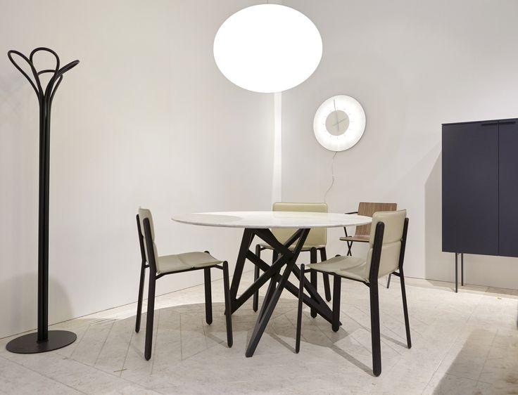 17 best images about tables et chaises on pinterest. Black Bedroom Furniture Sets. Home Design Ideas